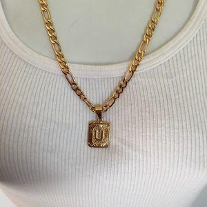 "New 18k gold "" U""  necklace"